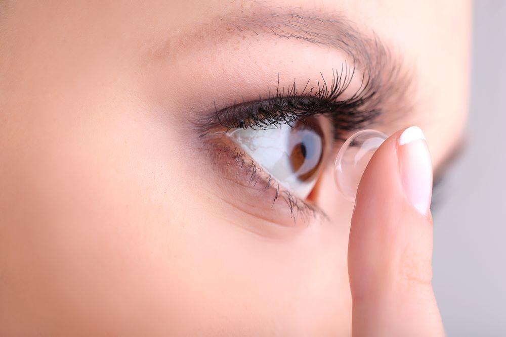 Ervaar het gemak van daglenzen! Vraag nu tijdelijk gratis 5 paar aan bij Eyecentre. Geef zelf je sterkte aan van je linker en rechteroog en ze worden gratis thuis bezorgd.