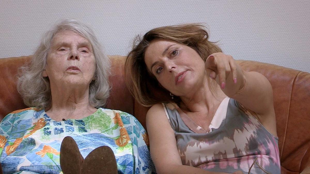 Help om Alzheimer Nederland weer op de kaart te zetten.Bestel het gratis Vergeet Mij Niet speldje. Geef meer aandacht aan deze ziekte en help de mensen met dementie.